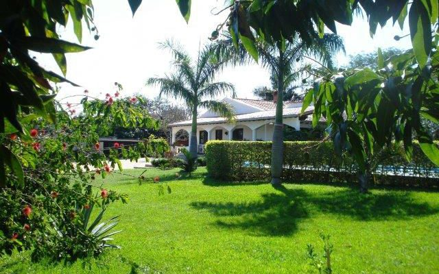 Sicht vom Garten zum Haus